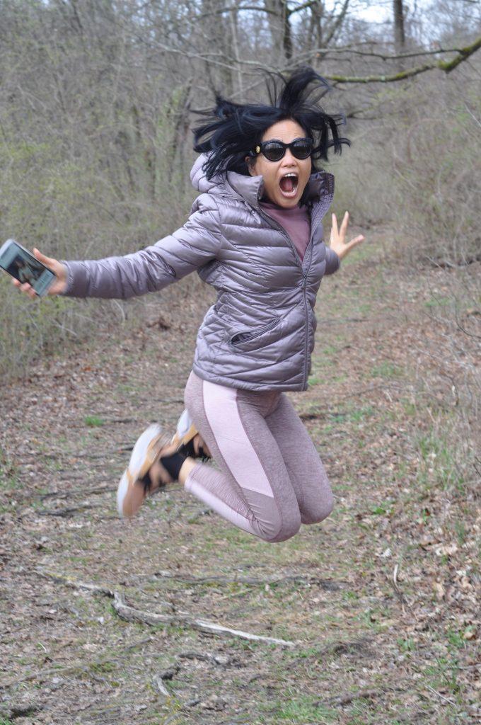 Risa jumping