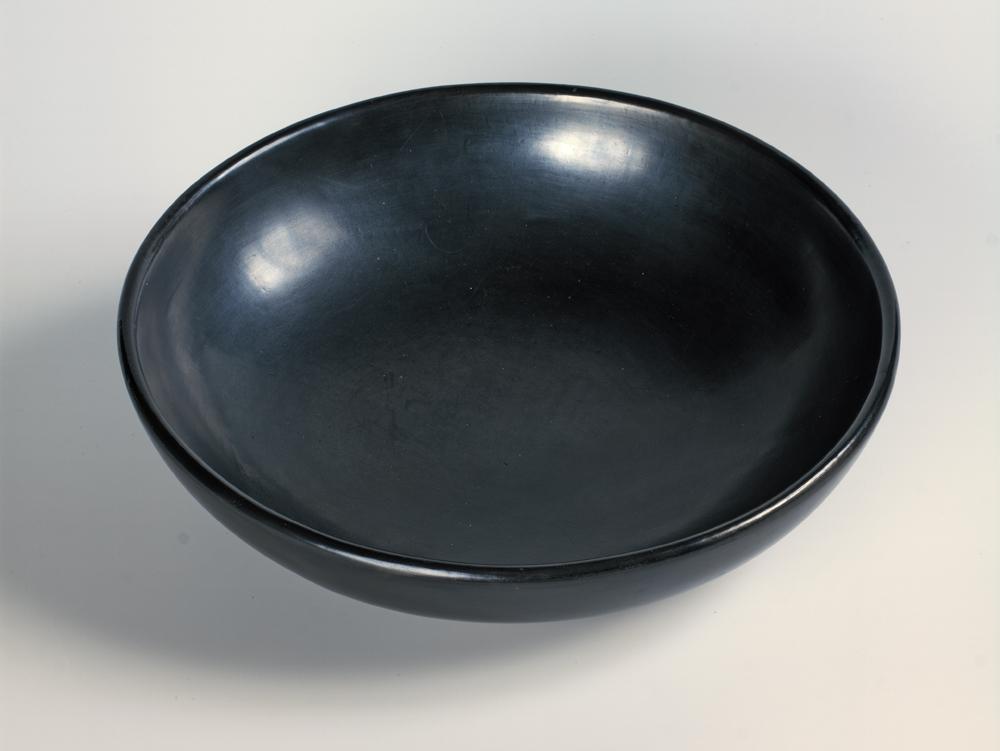 {link:http://pages.vassar.edu/designinlivingthings/martinez-bowl/}Martinez Bowl{/link}
