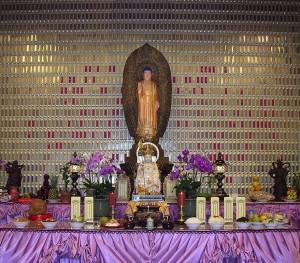1c. Amitabha Altar, 2005, photo: Wikimedia Commons.