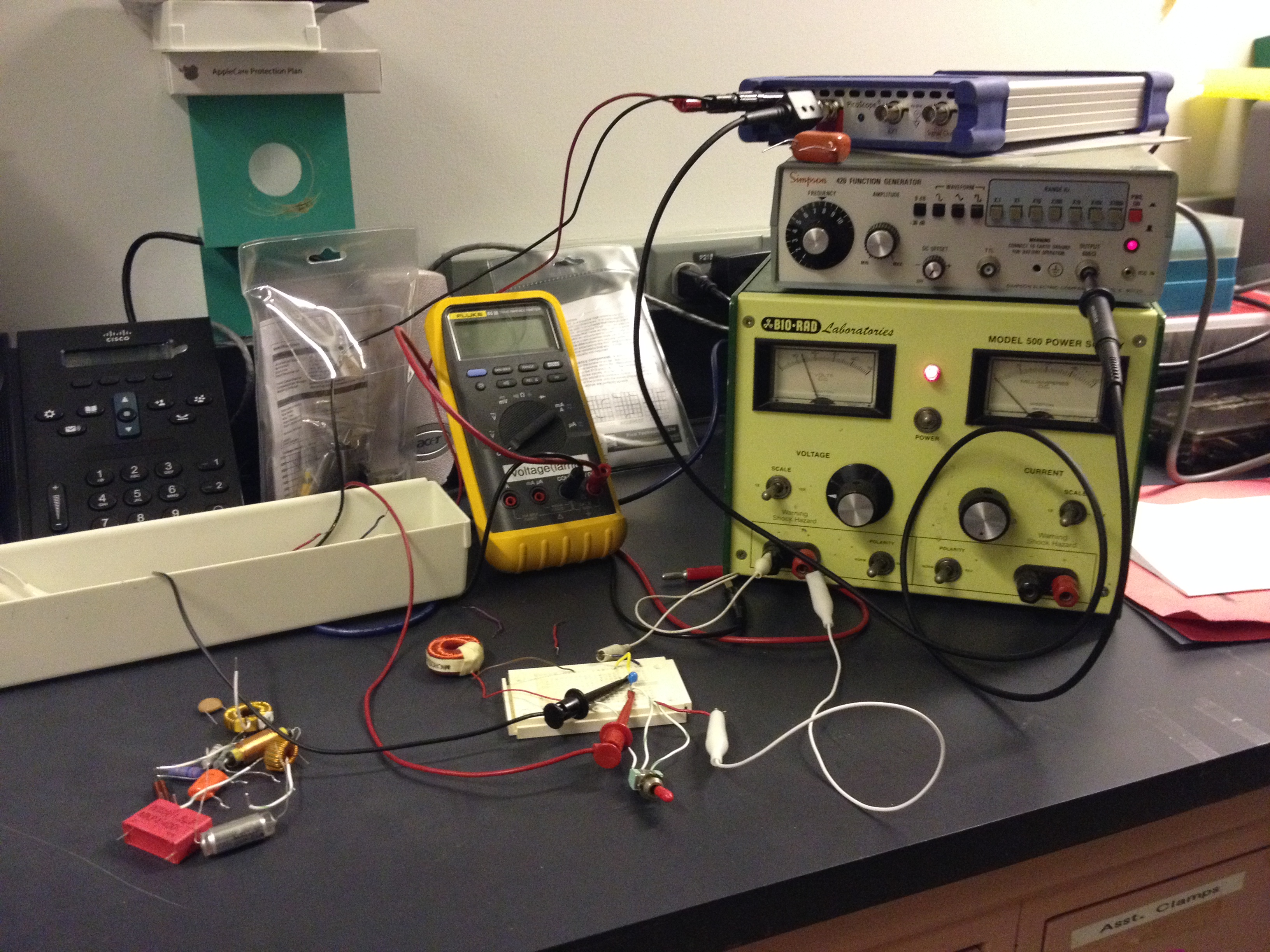 Matteo Modeling And Experimental Tools With Prof Magnes Rlc Series Circuit As Well Discharging Rc Equation Also Dc Power Source Signal Generator Oscilloscope Multimeter