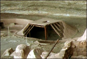This is a reproduction of a pit house at Mesa Verde National Park. Picture: Wikimedia Commons.