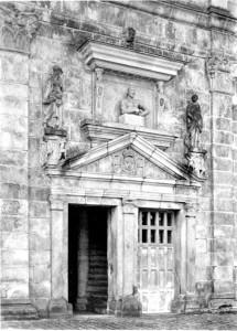 Portal, Cour Ovale