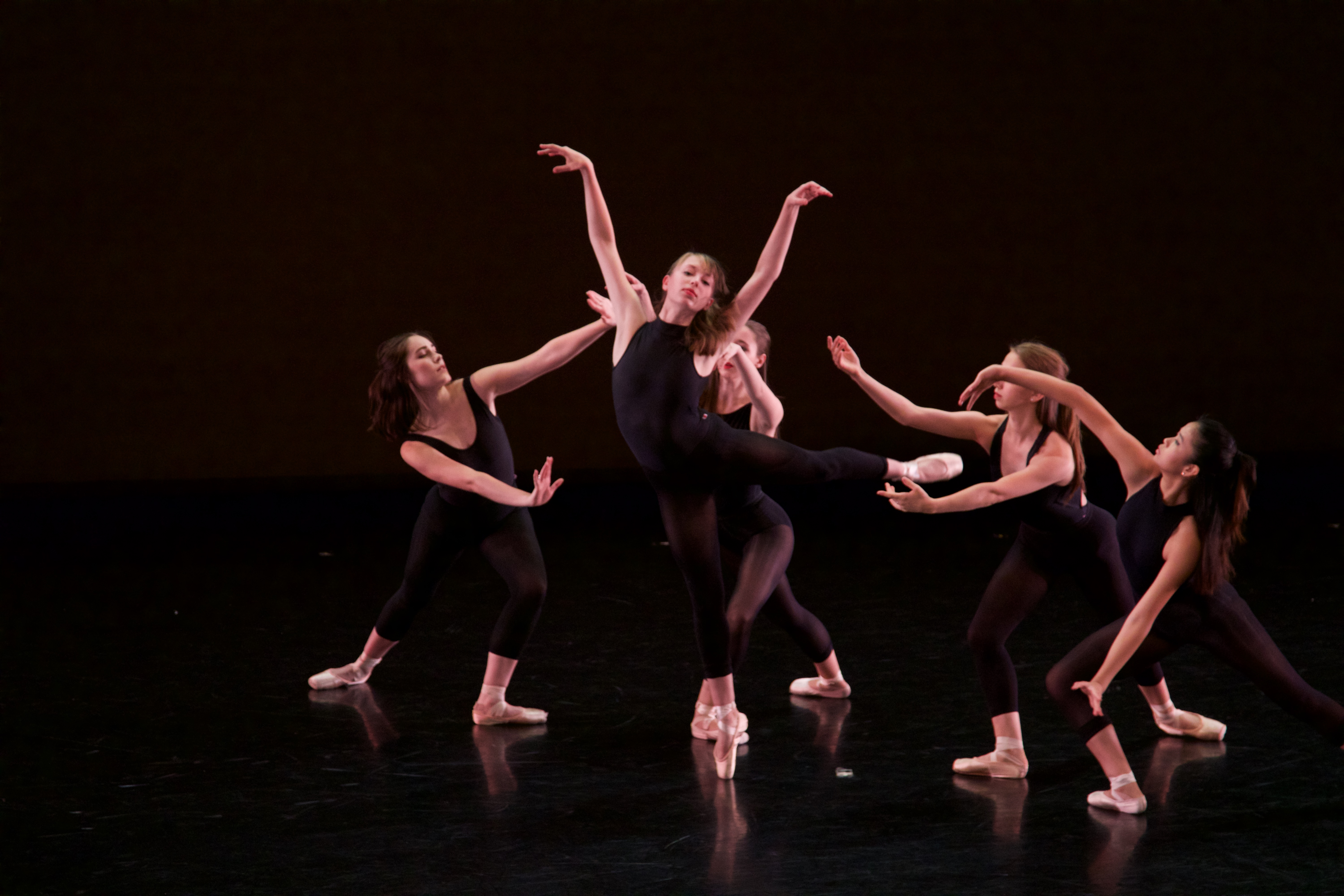 Sophia Massie center with L to R McClain Groff, Rachel Altemose, Jordan Nasif and Sydney Lee in new work by Elise Shea '19. Photo Mitch Davis '19